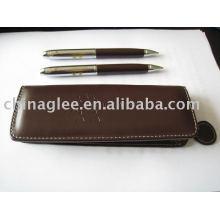 Exclusive leather pen set