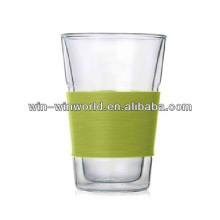 Tasse en verre à double paroi colorée en gros de Pyrex 300ML avec du silicone