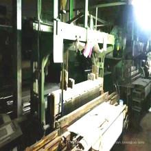 Maquinaria de telar de terciopelo de segunda mano que funciona en fábrica