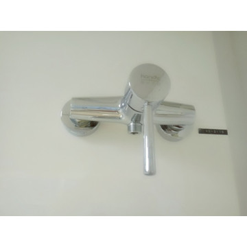 Menangani Single Faucet Kuningan Chrome Shower