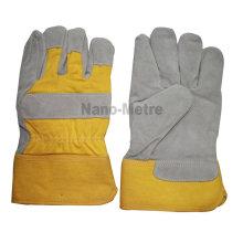 El trabajo del soldador de NMSAFETY utiliza el cuero partido de vaca que trabaja los guantes de la vaca de la alta calidad