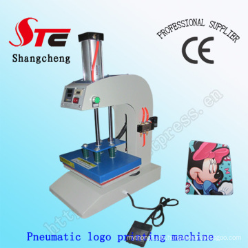 CE-Zertifikat automatische pneumatische Logo drucken Maschine T-Shirt Einzelstation Heat Transfer Maschine Stc-Qd11