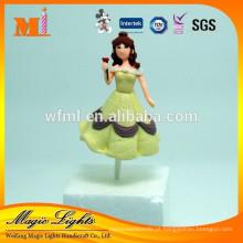 Bonito bolo decoração brinquedos de plástico