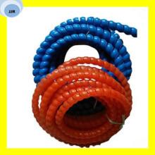Premium Qualität Bunte PP / PVC / PE / HDPE Spirale Kunststoffschlauch Schutz Hudraulic Schlauchschutz