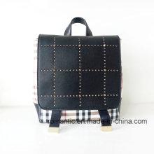 Guangzhou Supplier Lady PU rebites mochila de couro (NMDK-040505)