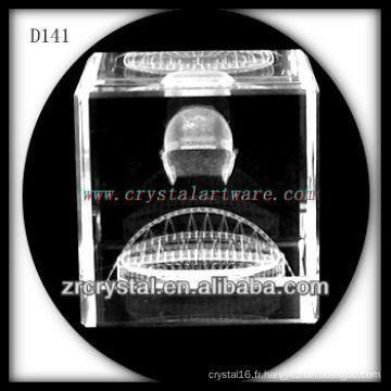 Image de subsurface laser 3D K9 à l'intérieur du cube de cristal