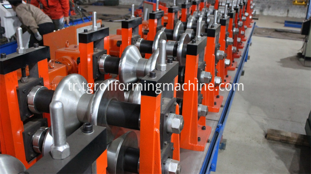 Highway Fencing Metal Roll Forming Machine