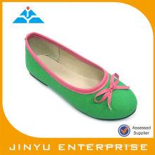 Zapato verde de la bailarina de Maria