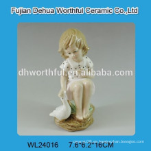 Decoración de boda de cerámica con figura de niña