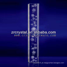 Os fogos-de-artifício do laser K9 3D gravaram o cristal com forma da coluna