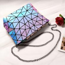 Bolsa de ombro com corrente de compras holográfica com glitter geométrico