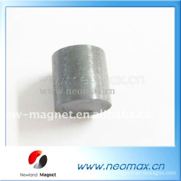 Strong ferrite magnets