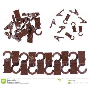 Plastic injection clip connectors