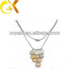 Collier pendentif en or et rose plaqué or en acier inoxydable