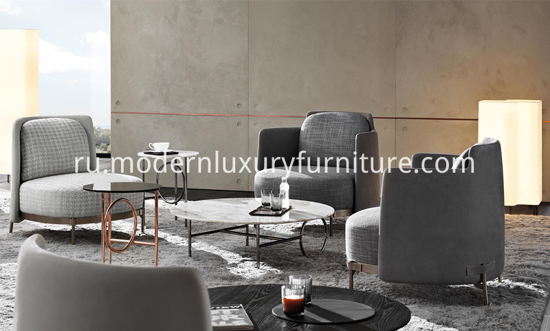 Minotti_Tape_Chair_in_Living_Room