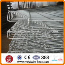 Top triangle wire fencing