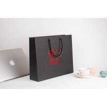 Sacs découpés avec des matrices adaptés aux besoins du client de logo pour l'emballage de vêtements