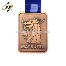 Amostra grátis personalizado antigo judo de bronze esportes réplica colar de medalhão de metal