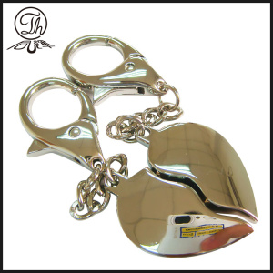 Shinny argent coeur charme metal keychain