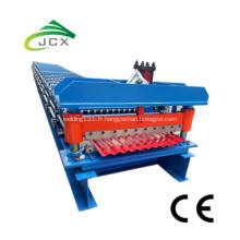 Feuille de fer ondulé formant la machine