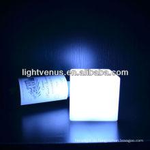 China Manufactuer Batteriebetriebene 10cm Cube Mood Schreibtischlampe
