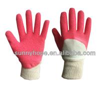 Doublure intercalaire avec des gants en latex