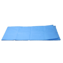 Paciente usa lençóis descartáveis
