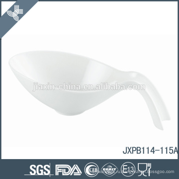 Оптовая специальные современные формы дизайна фарфора небольшой белый суп керамической керамики