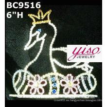 Corona de cristal y tiara