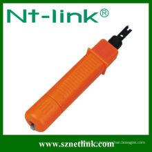 Оранжевый С помощью инструмента для пробивки кабеля 110 типа Krone