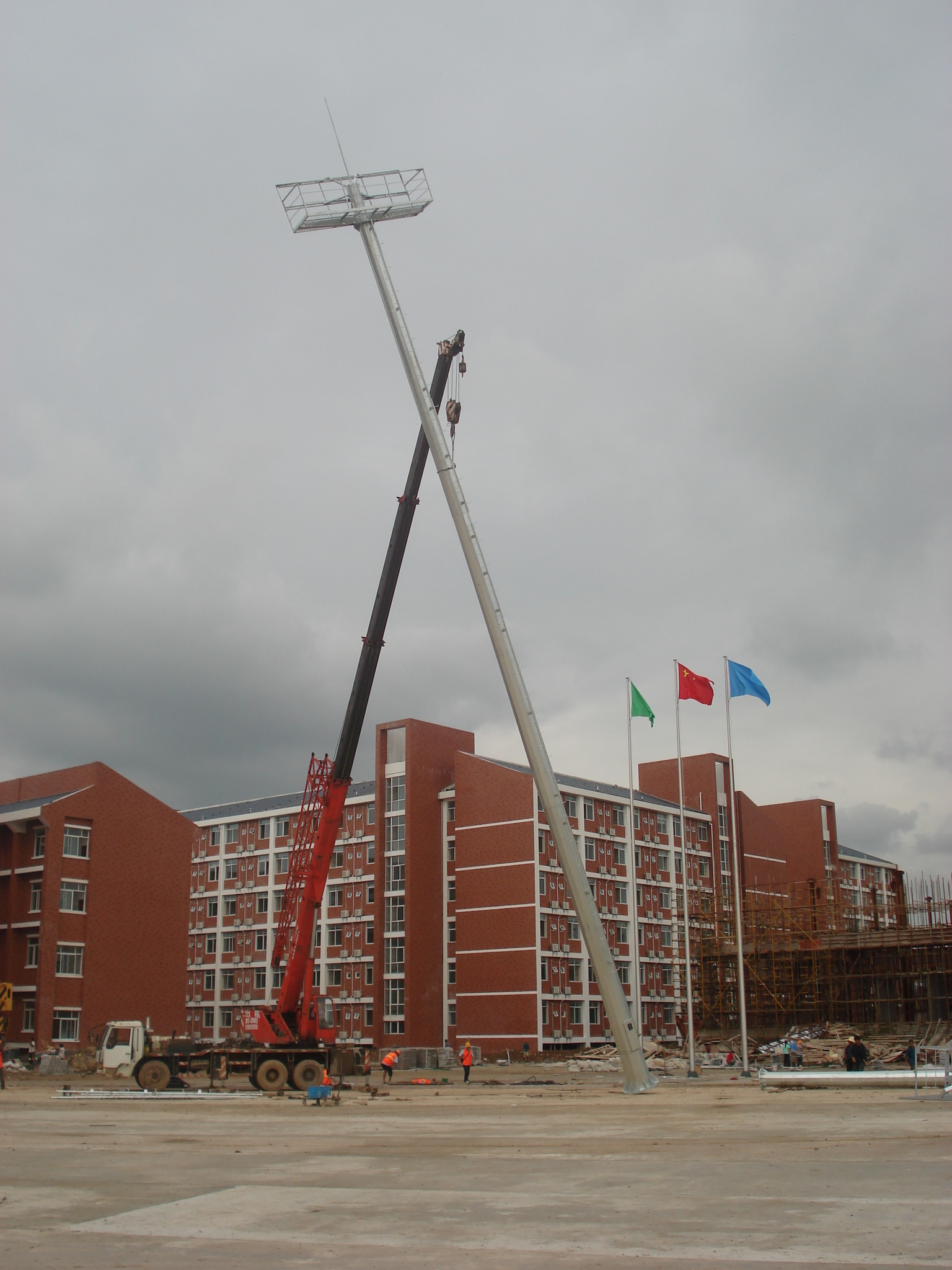 30m single face illuminate high Mast lighting installation