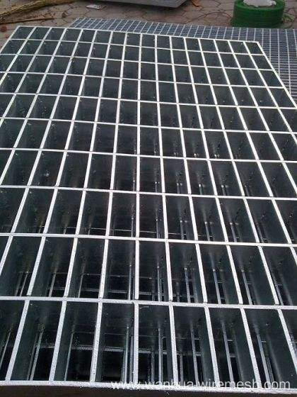Anping Carbon Steel Plain Steel Grating Price