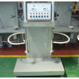 Beer keg filling machine with double heads