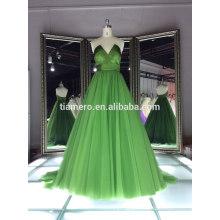 Robe de soirée de cocktail élégante et élégante en V col en vert