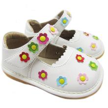 Sapatos brancos Socoaky Girl Pequenas Flores