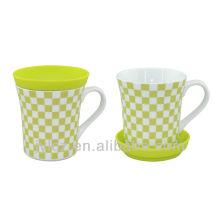Porzellantassen und Tassen