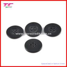 Botón negro de la camisa de 4 agujeros del plástico