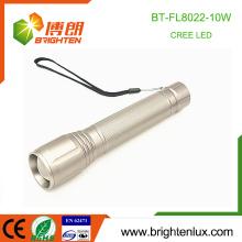 Venta al por mayor de fábrica 3 luces de modo de aleación de aluminio 3C tamaño de la batería de largo alcance 10w xml u2 Cree Zooming potente llevó luz de la antorcha