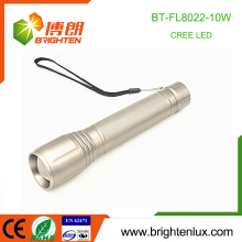 Factory Wholesale 3 mode lights Aluminium alliage 3C taille batterie utilisée Long Range 10w xml u2 Cree Zooming Puissant LED Torch Light