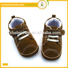 2015 el bebé micro encantador del ante de la manera caliente de la alta calidad de la venta se divierte los zapatos