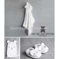 Ensemble de cadeau de bain pour bébé ours blanc avec serviette à capuchon, gants de toilette et pantoufles - blanc, neutre pour le genre