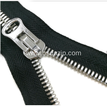 No.13 Metal One-Way Closed-End Shoes Zipper