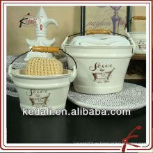 Florero de cerámica para la decoración