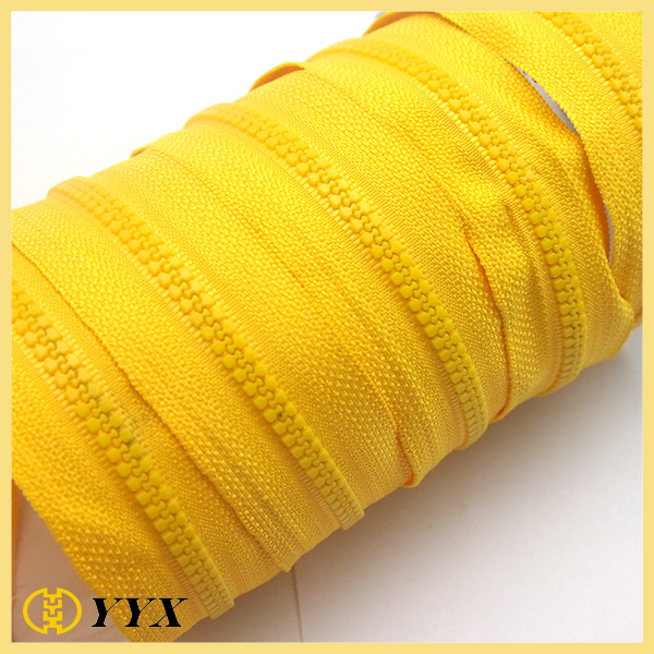 YYX Wholesale Long Chain Continuous Plastic Zipper