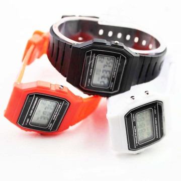2016 New Style Girls Silicone Digital Watches