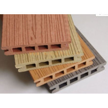 WPC Decking / Panel / Bodenprofil Produktionslinie