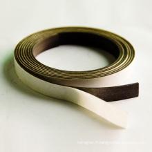 Aimant à bande flexible avec autocollant