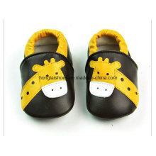 Modèle animal: chaussures en cuir
