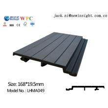 Revestimiento decorativo compuesto de madera del panel de pared de 168 * 20m m WPC