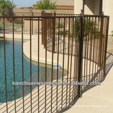Hogar o jardín usando cercas de vinilo